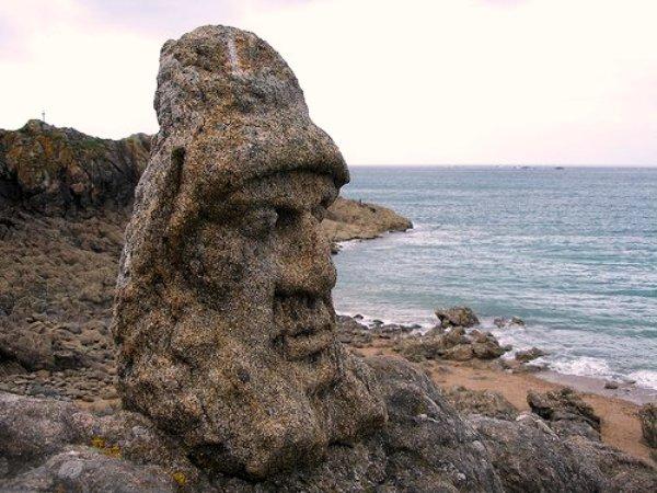 Rocher sculpté Saint Malo Ille et Vilaine en France bien sûr, au pays Breton !